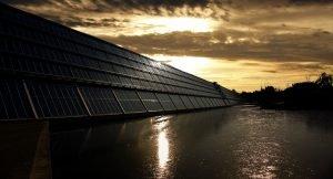 zonnepanelen muur